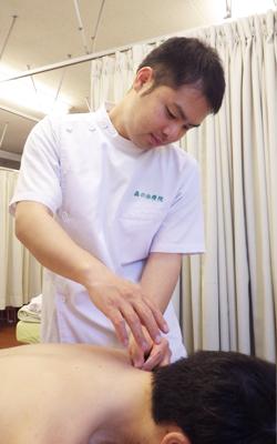 渡辺 佳吾:浅草橋のマッサージ・整体 ぎっくり腰、はり、骨盤矯正なら 森の治療院